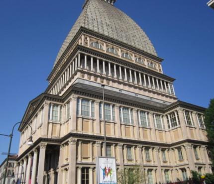 Uno dei monumenti simbolo di Torino: la Mole antonelliana