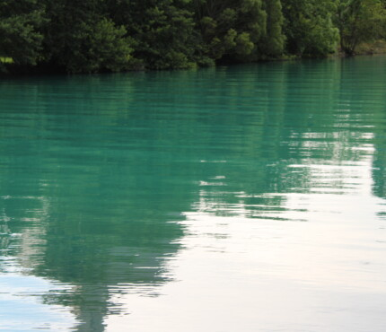 Le acque limpide del Worthersee