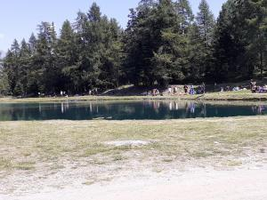 lago Gordzà specchio lago dal basso